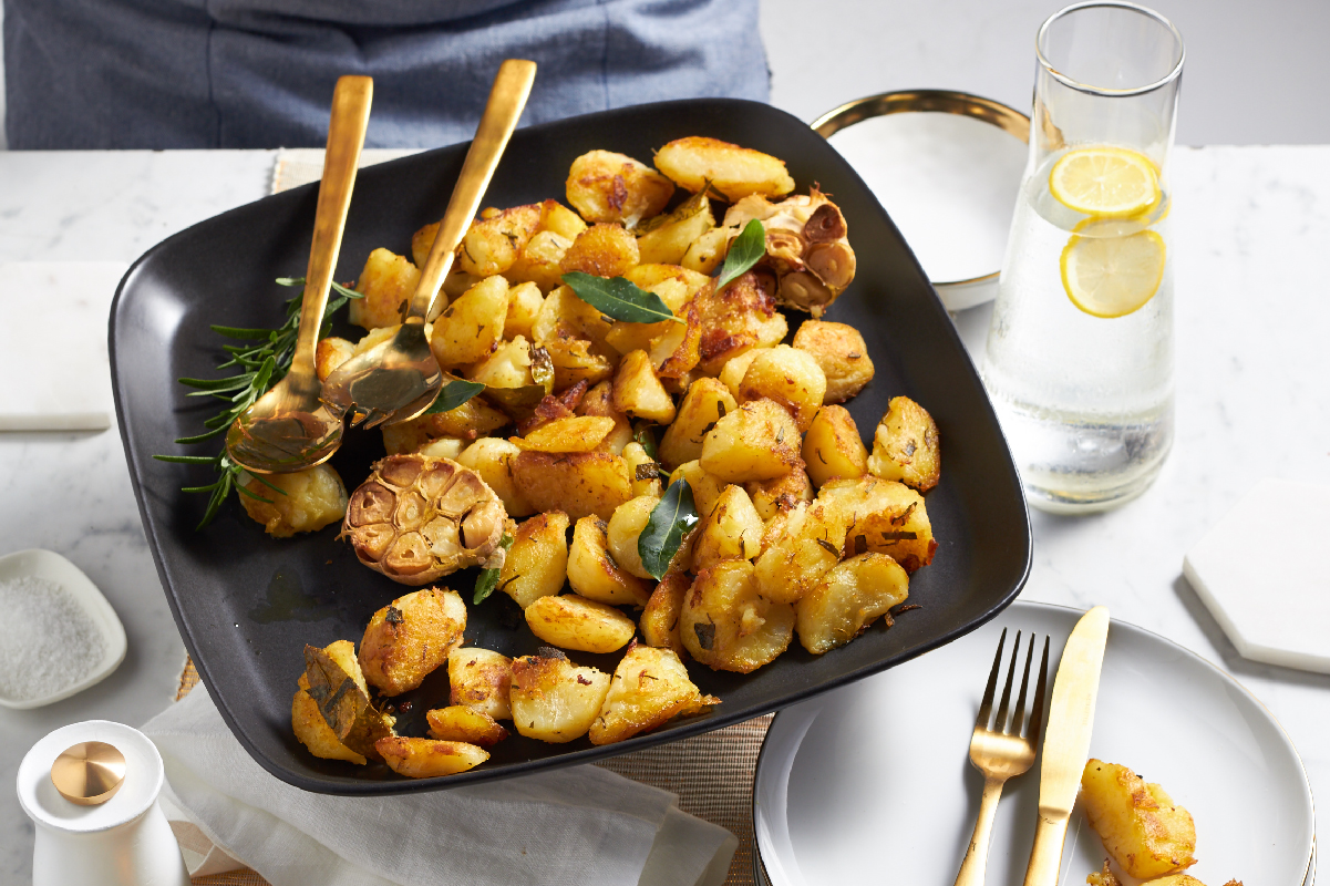 Crunchy Herb And Garlic Potatoes